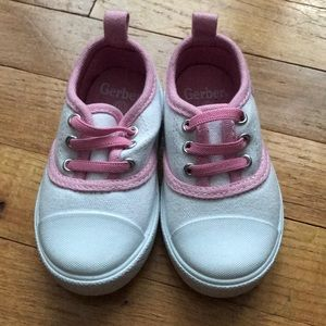 NWOT white and pink Gerber shoes